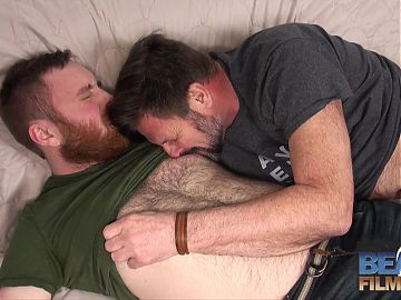 Hairy bear Chris Mine fucks cub Colt Cox RAW